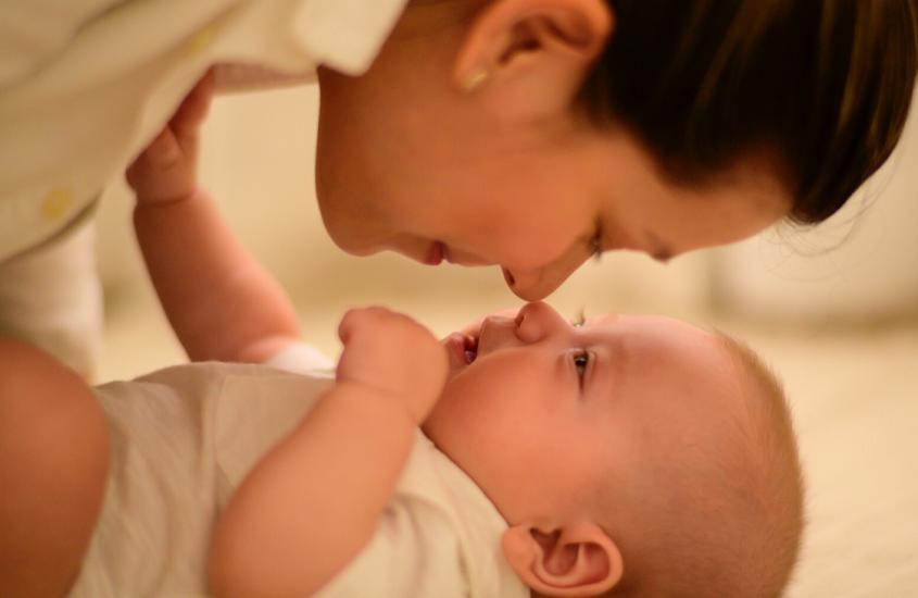 Cum a luat naștere Dunstan Baby Language – metoda de ascultare ale plânsetelor bebelușului